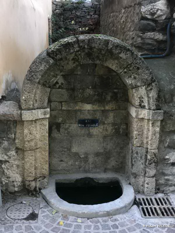 Fontaine_RueBoyer_003_redimensionner.jpg